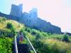 Matkalla käytiin tutustumassa mahtaviin linnoihin kuten tähän Rakveren linnaan