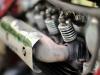 Yksi tämän pyötäs erikoisuuksia pitkittäisen rivinelosmoottorin lisäksi on tietenkin avonainen venttiilikoneisto